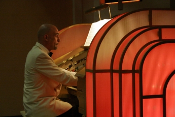 Richard Cole at the Wurlitzer