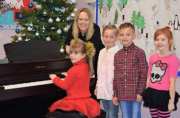 Bonners Donates New Piano To Fire Damaged School