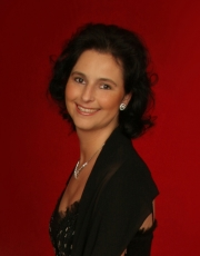 Claudia Hirschfeld To Appear At Music Extravaganza